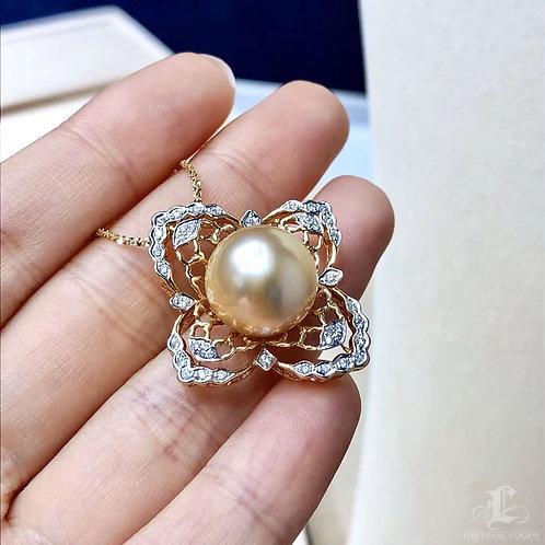 0.28 ct Diamond AAAA 13-14 mm Golden South Sea Pearl Pendant 18k Gold