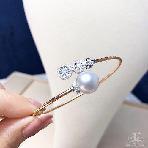 0.40 ct Diamond AAAA 10-11 mm South Sea Pearl Adjustable Bracelet 18k Go
