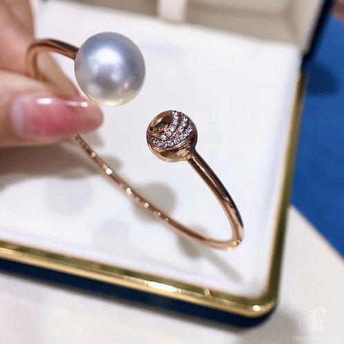 AAAA 12-13 mm South Sea Pearl Adjustable Bracelet 18k Gold w/ Diamond