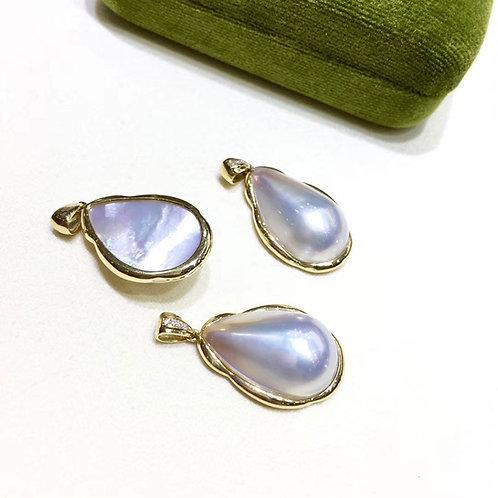 16.5 x 22 mm Mabe Pearl Pendant 18k Gold w/ Diamond - AAA