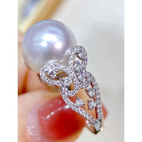 1.0 ct Diamond, AAAA 13-14 mm South Sea Pearl Luxury Ring 18k Gold