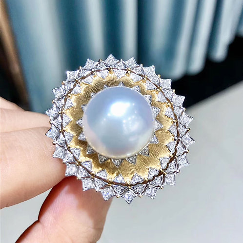 0.43ct Diamond AAAA 14-15 mm South Sea Pearl Royal Ring, 18k Gold