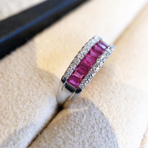0.91ct Red Ruby Royal Ring 18k Gold Diamond