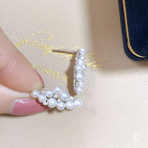 0.15 ct Diamond AAAA 3-4.5 mm Akoya Pearl Earrings 18k Gold