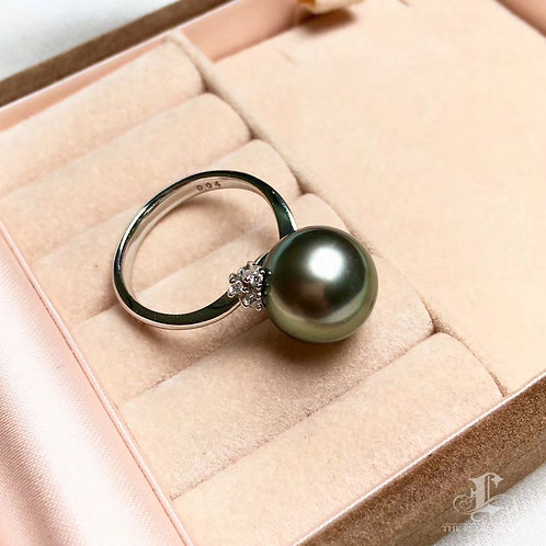 0.15ct Diamond AAAA 11-12 mm Tahitian Pearl Classic Ring, 18k Gold