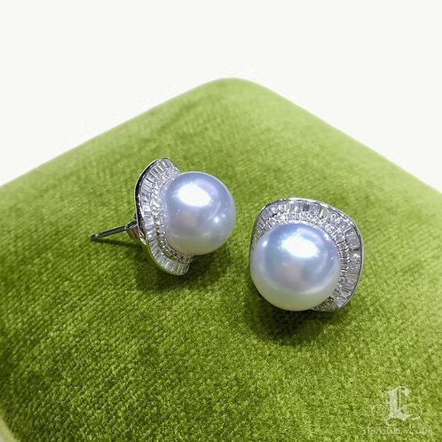 0.70ct Diamond AAAA 10-11 mm South Sea Pearl Classic Earrings, 18k Gold