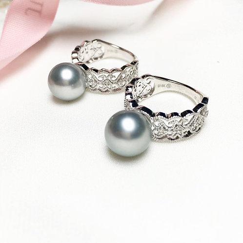 0.12ct Diamond AAAA 10-11 mm Tahitian Pearl Ring, 18k Gold