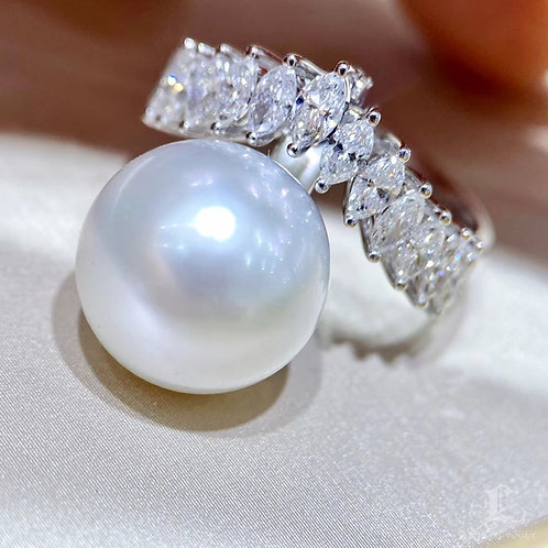 1.19ct Diamond, AAAA 13-14 mm South Sea Pearl Luxury Transformable Ring 18k Gold
