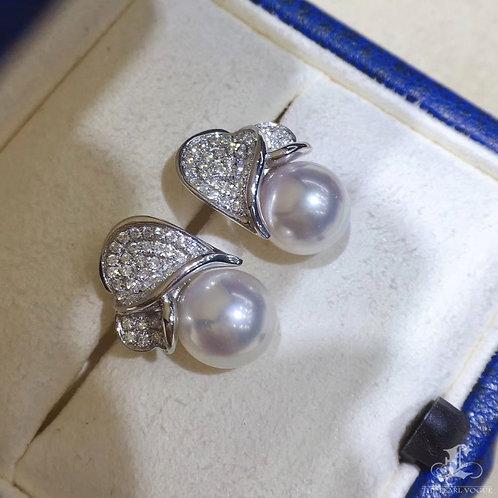 0.62ct diamond, AAAA 8-8.5 mm Akoya Pearl Earrings 18k Gold
