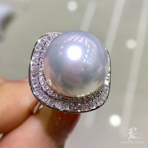 0.52ct Diamond AAAA 13-14mm White South Sea Pearl Ring, 18k Gold