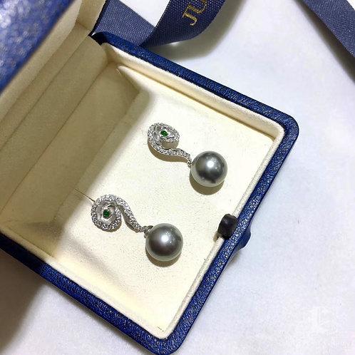 0.28ct Diamond AAAA 10-11mm Tahitian Pearl Earrings, 18k White Gold
