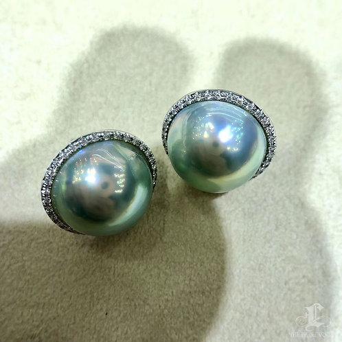 0.70ct Diamond AAAA 14-15 mm Aurora Mabe Pearl Earrings 18k Gold