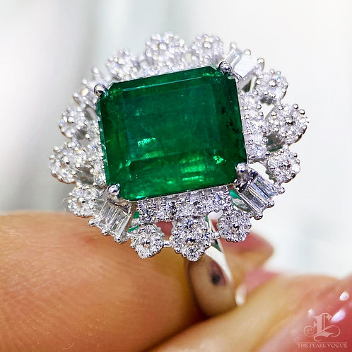 3.59 ct Natural Green Emerald Ring 18k Gold w/ Diamond