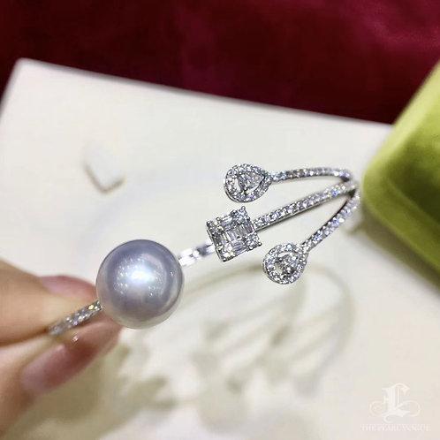 12-13 mm South Sea Pearl Adjustable Bracelet, 18k Gold w/ Diamond - AAAA