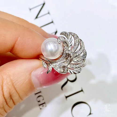 0.31 ct Diamond AAAA 8-8.5 mm Akoya Pearl Ring 18k Gold