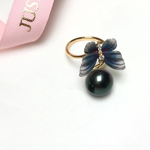 AAAA 11-12 mm Tahitian Pearl Ring, 18k Gold w/ Diamond