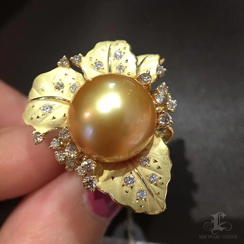 CUSTOMIZE | AAAA 13-14mm Golden South Sea Pearl Royal Ring, 18k Gold w/ Diamond