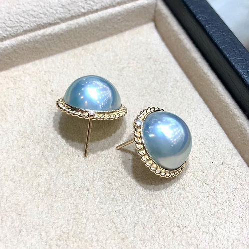 AAAA 14-15 mm Mabe Pearl Classic Earrings 18k Gold w/ Diamond