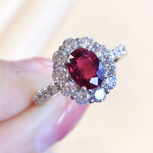 1.02 ct Vivid Red Ruby Royal Ring 18k Gold Diamond, w/ GRS Certifcate