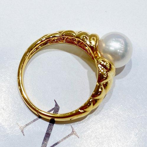 AAAA 8-8.5 mm Akoya Pearl Unique Ring, 18k Gold