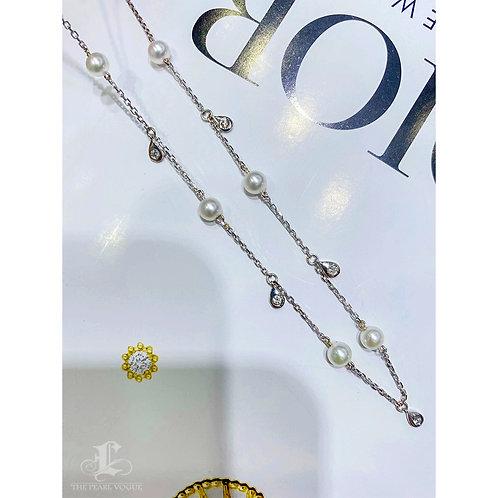 45 cm, AAAA 3-4 mm Akoya Pearl Necklace Chain 18k Gold w/ Diamond