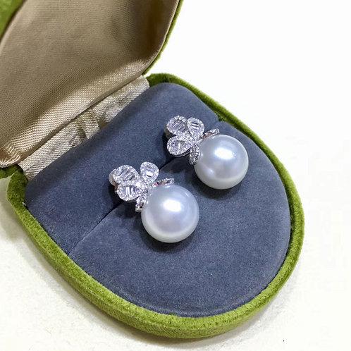0.63ct Diamond AAAA 11-12 mm South Sea Pearl Classic Earrings 18k Gold
