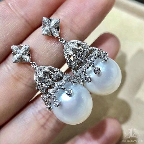 0.92ct Diamond, AAA 13-14 mm South Sea Pearl Luxury Earrings 18k Gold