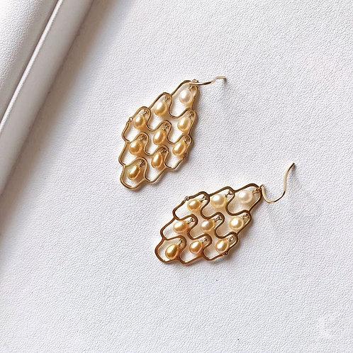 KESHI 4 mm Wild South Sea Pearl Earrings 18k Gold