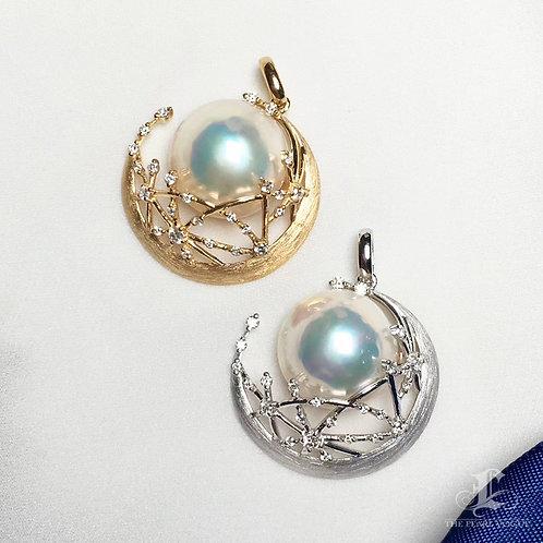 15-16mm  Mabe Pearl Classic Pendant 18k Gold w/ Diamond - AAAA