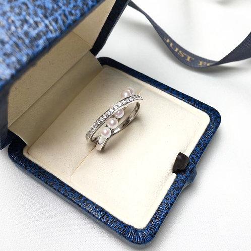 0.30ct Diamond, AAAA 3-3.5 mm Akoya Fashion Ring, 18k Gold w/ Diamond