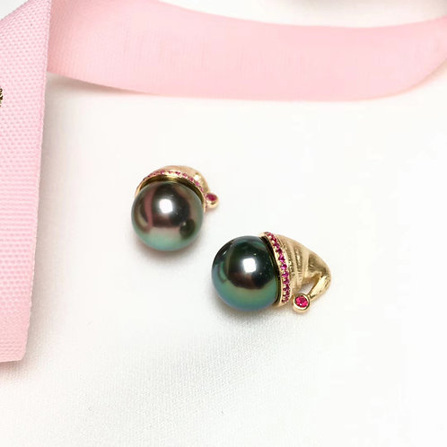AAAA 10-11 mm Tahitian Pearl Pendant 18K Gold w/ Ruby