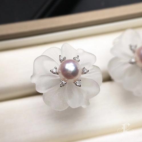 7.5-8mm Akoya Pearl Flower Ring 18k Gold w/ Crystal - AAAA