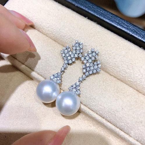 1.22 ct Diamond, AAAA 11-12 mm South Sea Pearl Luxury Earrings 18k Gold