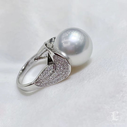 Aurora AAAA 15-16 mm White South Sea Pearl Luxury Ring, 18k Gold w/ Diamond