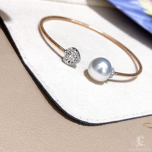 0.26 ct Diamond AAAA 11-12 mm South Sea Pearl Adjustable Bracelet 18k Gold