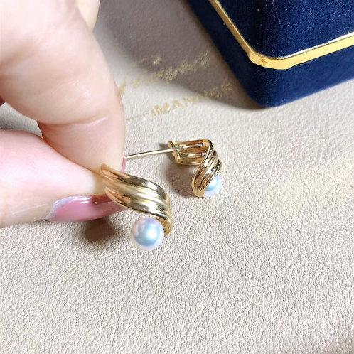 AAAA 5-5.5 mm Akoya Pearl Lady Earrings 18k Gold