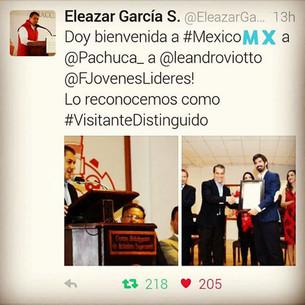 Alcalde de Pachuca distingue a CEO de Jóvenes Líderes