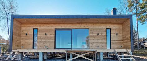 80m² paneļu māja ar koka apdari.
