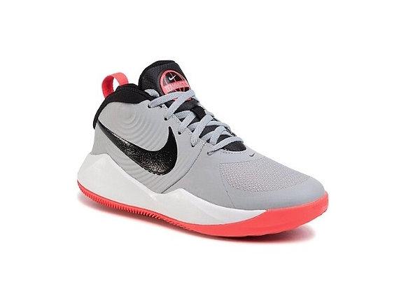 Nike TEAM HUSTLE  נעלי נייק כדורסל לנשים ונוער