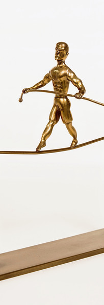 פסל שולחן - איש על חבל