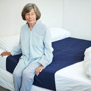 על בעיית בריחת שתן בשינה אצל מבוגרים