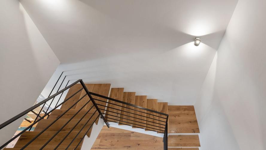 מדרגות מעץ לולייאניות