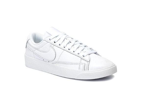 Nike Blazer Low Le  נעלי נייק לבן לנשים
