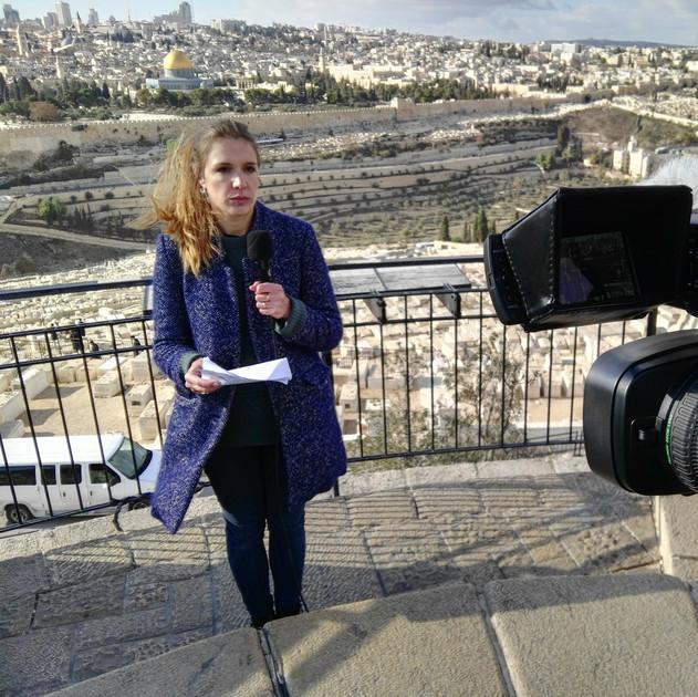 standup_journalist_jerusalem.jpg