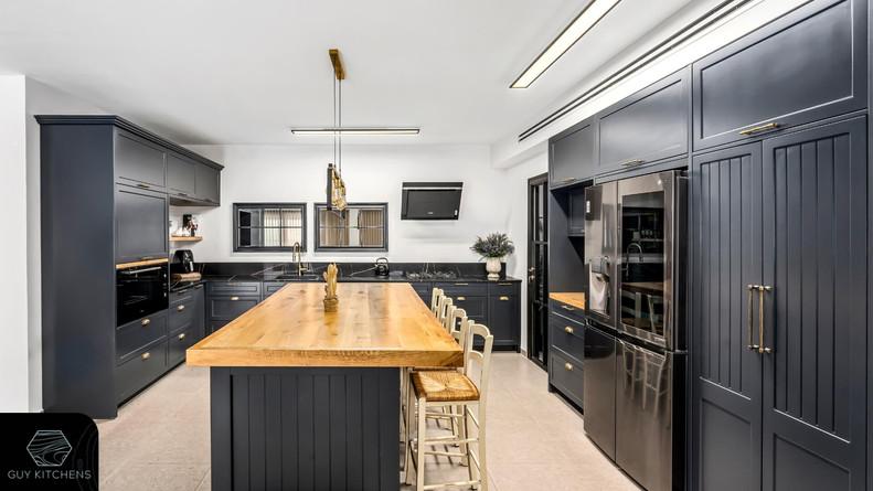צילום אורך של המטבח