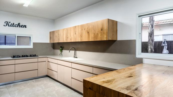 מטבח אקלקטי משולב מראה מודרני