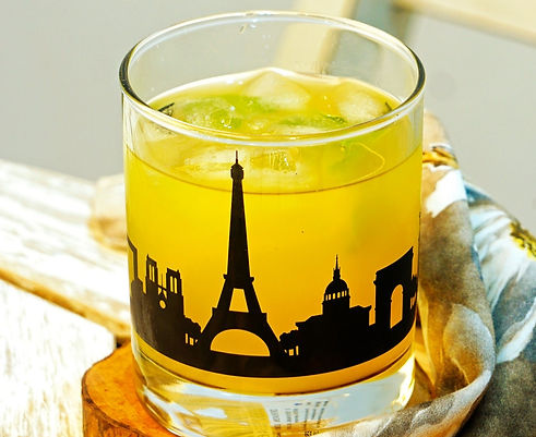 Paris_skyline_whiskey_glass_gift_set