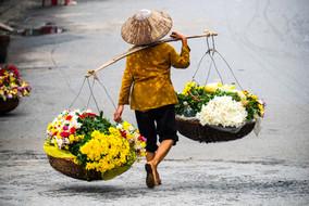 Ziua 1_Vietnameză cu flori.jpg
