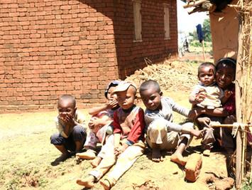 Ziua 12_Copiii din satele de pe dealurile Madagascarului.jpg