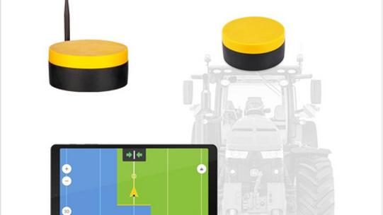 Trekker sturen met gemonteerde Fieldbee GNSS systeem